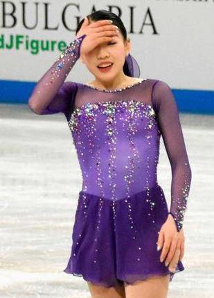 紀平梨花衣装